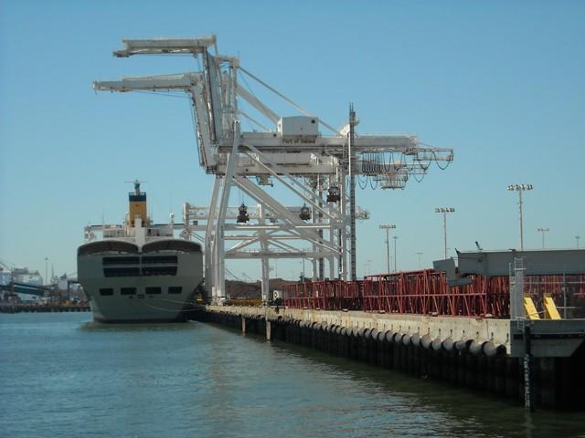port_of_oakland.jpg