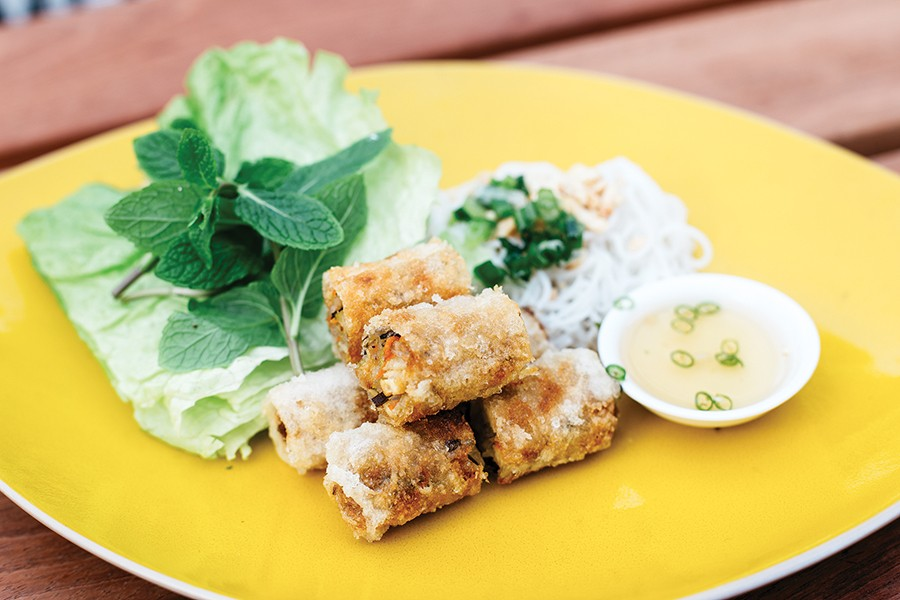 The vegetarian imperial rolls are crunchy and light. - PHOTO BY MELATI CITRAWIREJA