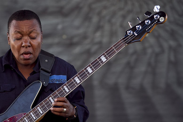 Meshell Ndegeocello plays the guitar and sings during the Bay Area Vibez Festival. - ERIN BALDASSARI