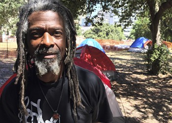 Oakland Homeless Resident Organizes 'Green Teams' to Clean the City