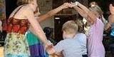 03ffa06d_botmc_family_dance.jpg