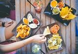d65d34ee_food-salad-restaurant-person_2_.jpg