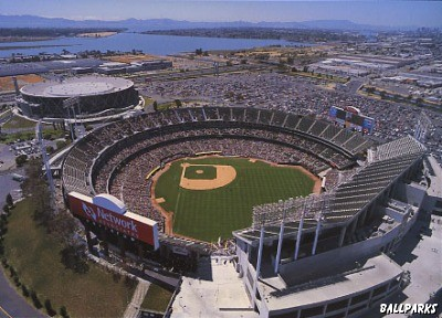 Oakland_Coliseum.jpg