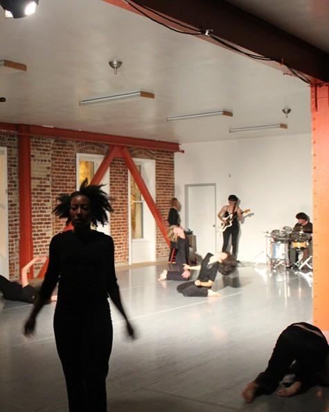 dance_-_DElixir_Oct_Christopher_Volz.jpg