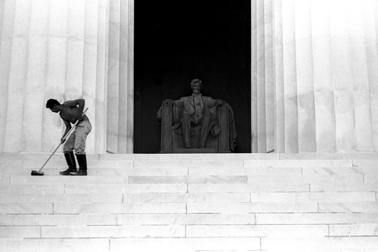 """The Lincoln Memorial serves as the inspiration for the cover art of Apollo Chamber Players' album """"With Malice Toward None"""". - PHOTO BY J. KIMO WILLIAMS"""