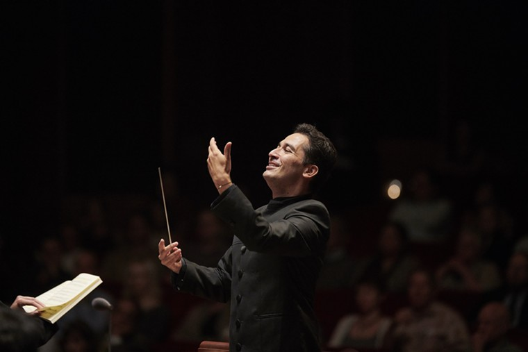 Houston Symphony Music Director Andrés Orozco-Estrada leads the Symphony in Beethoven's Fifth Symphony. - PHOTO BY ANTHONY RATHBUN PHOTOGRAPHY