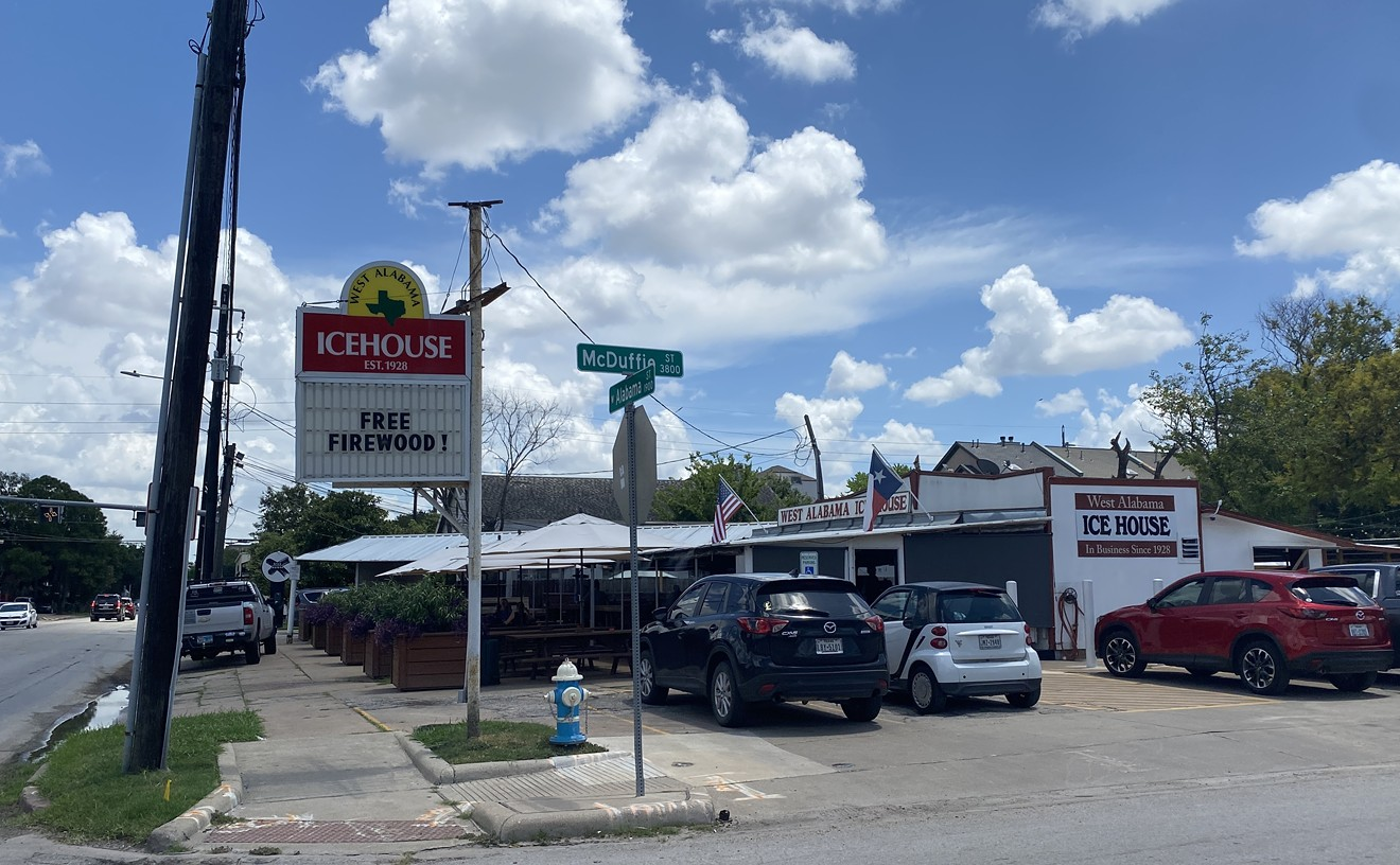 With plenty of cold brews on offer, West Alabama Ice House is a perfect low-key hangout.