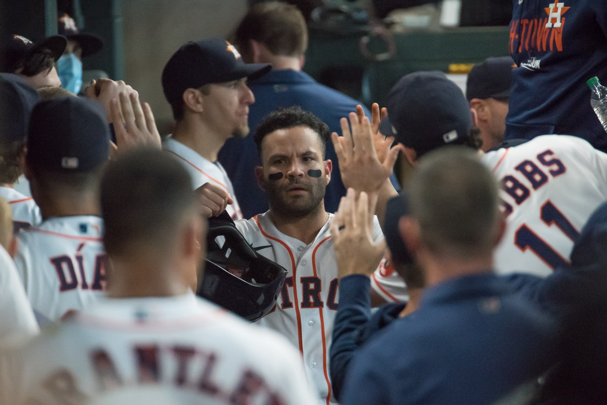 Jose Altuve capped off a huge offensive outing by the Astros with a three-run homer in the ninth.