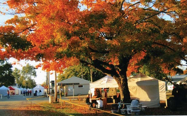With a backdrop of fall colors, small towns along the Spoon River Drive sell crafts, antiques and food.