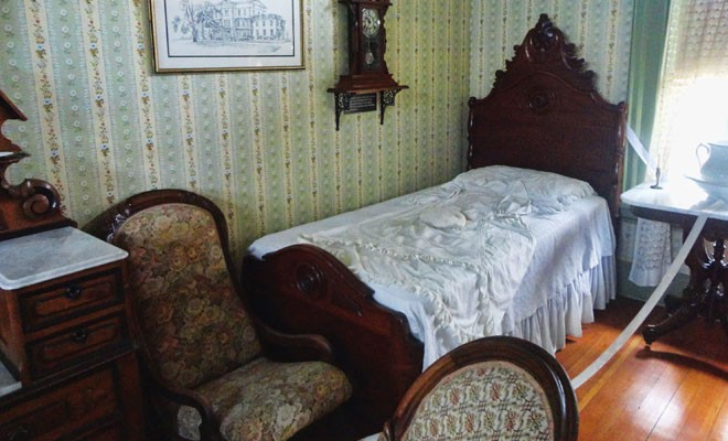 Mary Todd Lincoln's bed at the Batavia Depot Museum. - PHOTO BY CINDY LADAGE