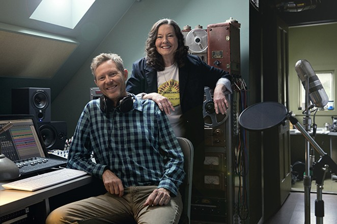 Robbie Fulks and Linda Gail Lewis play at Bar None on Oct. 21.