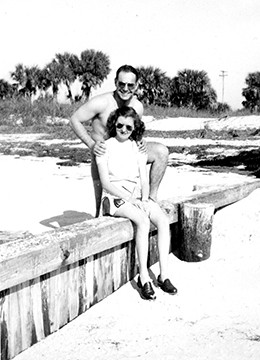 Kenny and Bonnie in Florida. - PHOTO COURTESY OF THE ABRAHAM LINCOLN PRESIDENTIAL LIBRARY AND MUSEUM