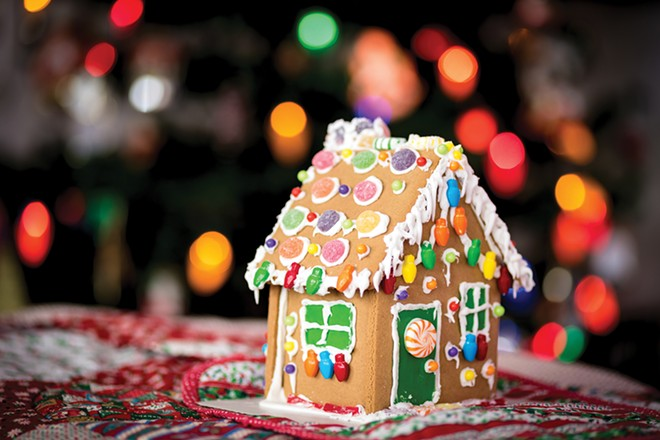 Gingerbread House Decorating Class: Dec 21, Sat 1pm.