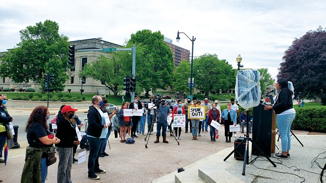 """On May 15, people in Springfield gathered for a """"Mental Health and Justice Awareness Rally."""" - PHOTO BY RACHEL OTWELL"""