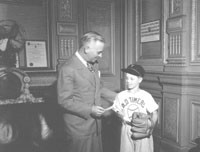 Gov. Dwight Green with young Dicky Schofield, June 18, 1945. From the Herbert Georg collection.