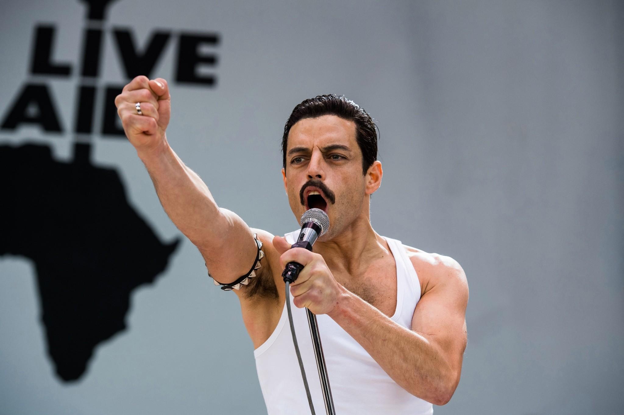 DF-02815_r – Rami Malek stars as Freddie Mercury in Twentieth Century Fox's BOHEMIAN RHAPSODY. Photo Credit: Alex Bailey. - PHOTO CREDIT: ALEX BAILEY