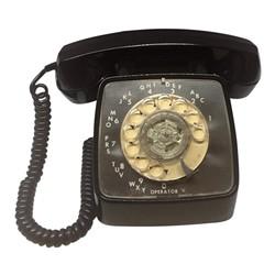 black_dial_phone.jpeg