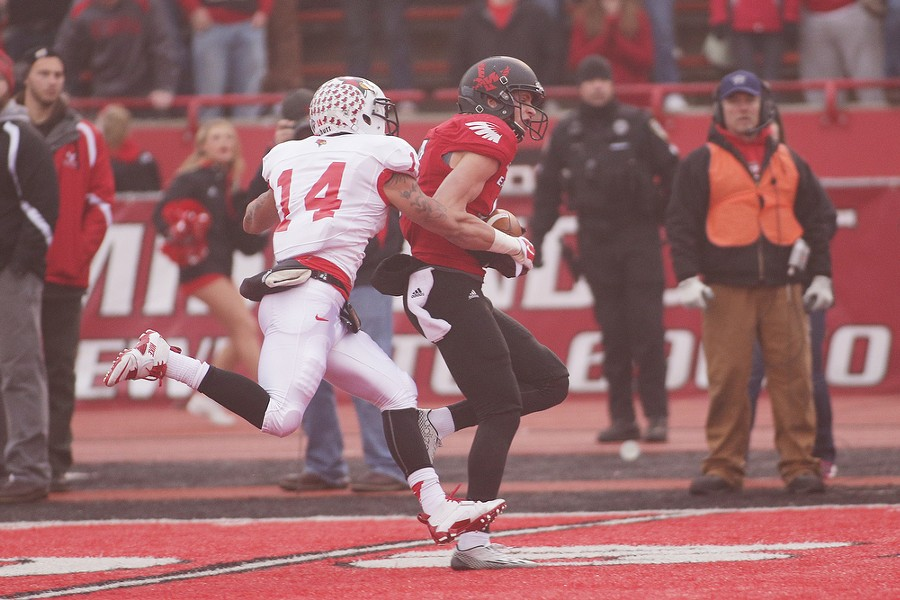 Eastern Washington wide receiver Cooper Kupp (10) runs after making a catch against Illinois State defensive back DraShane Glass (14) during the first half. - YOUNG KWAK