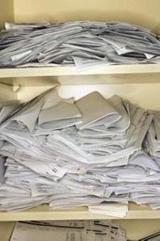 23a60937_papercluttershelves.jpg