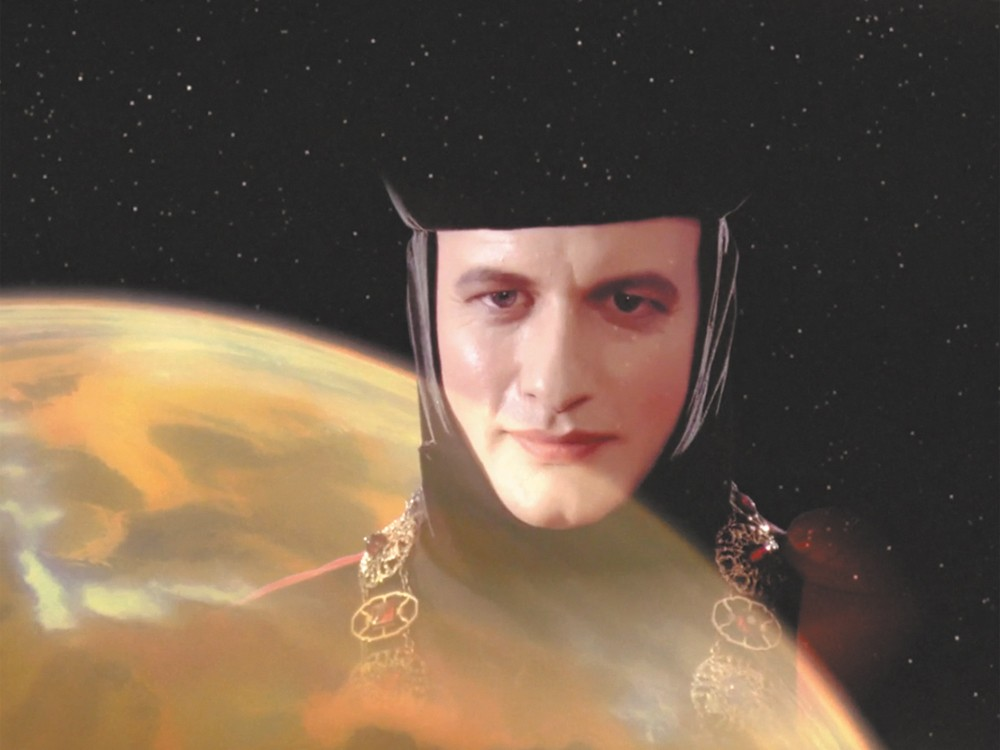 John de Lancie played Q on Star Tre: The Next Generation