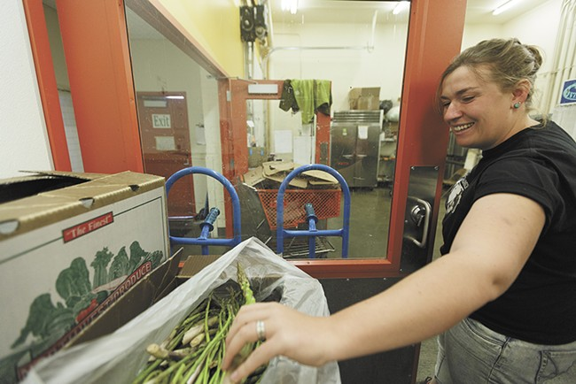 LINC delivers foods like this asparagus from Cloudview Ecofarms