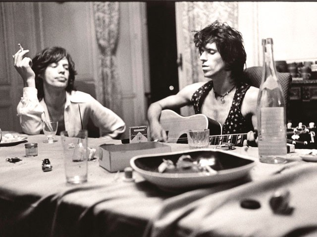 Mick Jagger and Keith Richards at Nellcote - DOMINIQUE TARLE