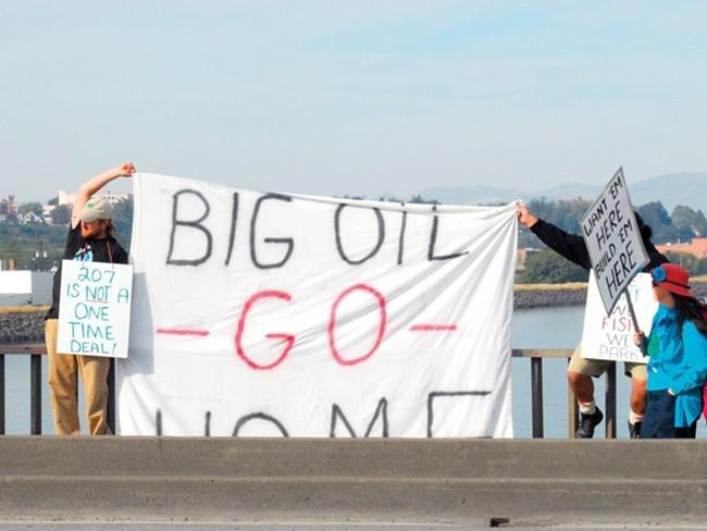 Protesting megaloads near Lewiston