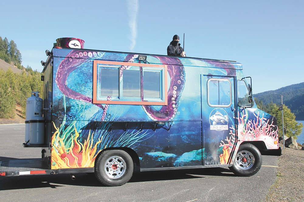 The RawDeadFish truck in all its glory. Sushi ninja not included.