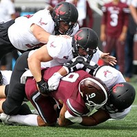 MONDAY MORNING PLACEKICKER: Eags enter win column, Cougs keep rolling, Seahawks barely win