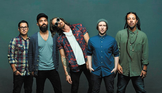 It's not exactly rocket S.C.I.E.N.C.E.: Incubus still knows how to work a stage.