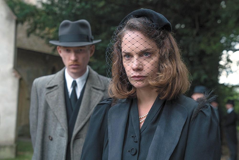 Domhnall Gleeson and Ruth Wilson in The Little Stranger.
