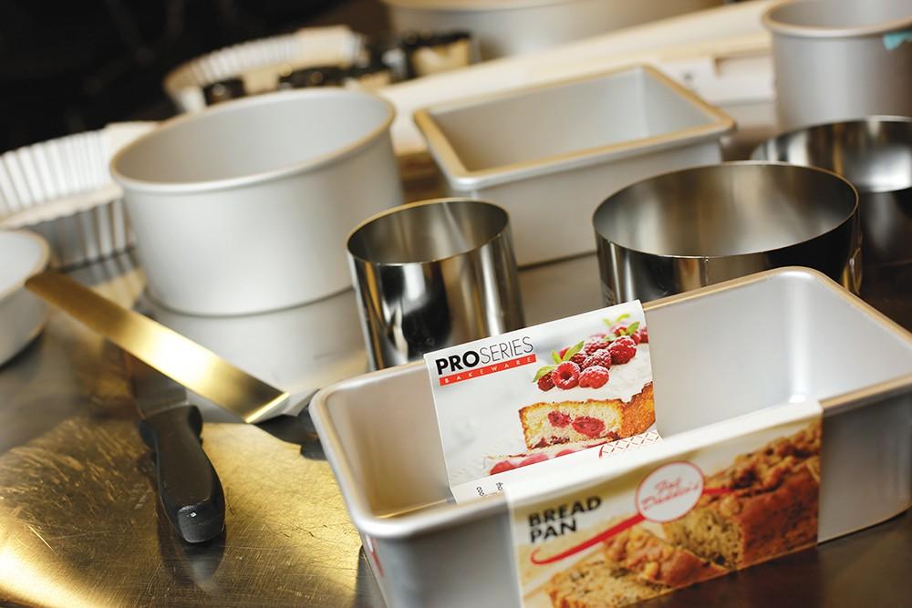 Pick A Pan A Spokane Company S Bakeware Is Beloved By