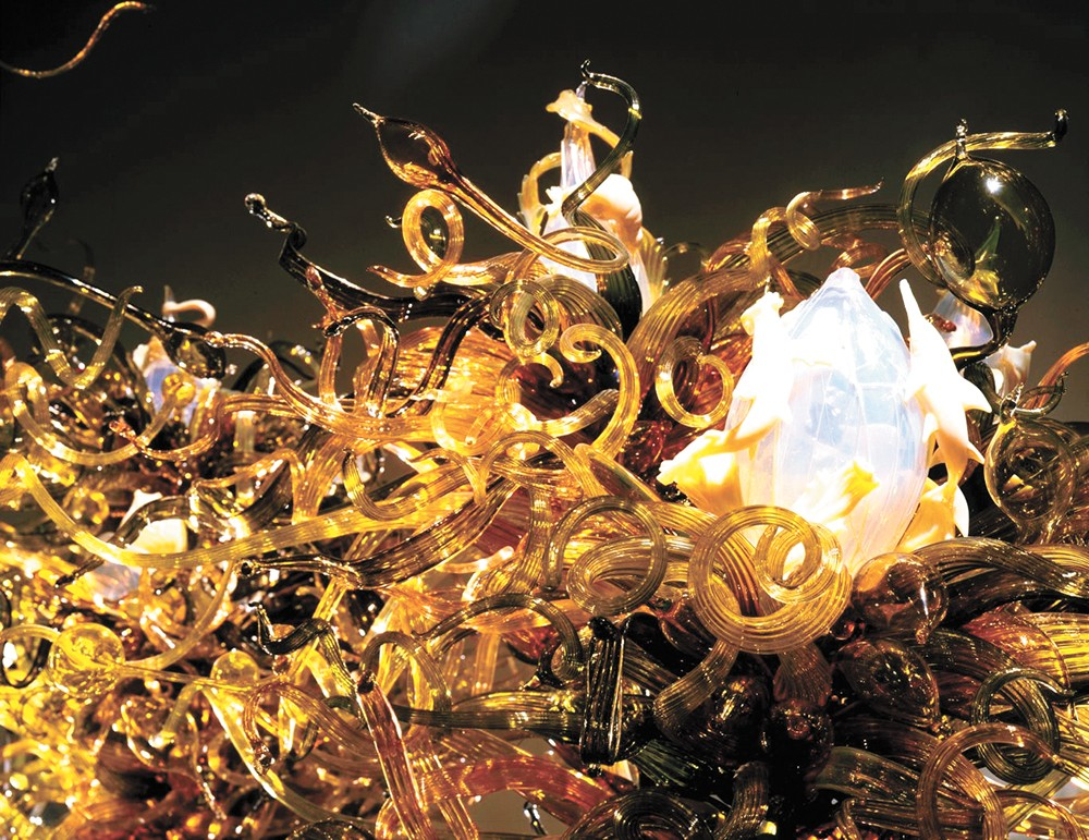 Dale Chihuly's Laguna Murano Chandelier.