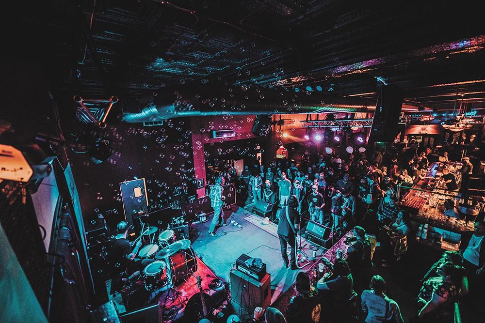 Red Room - ALICIA HAUFF PHOTO