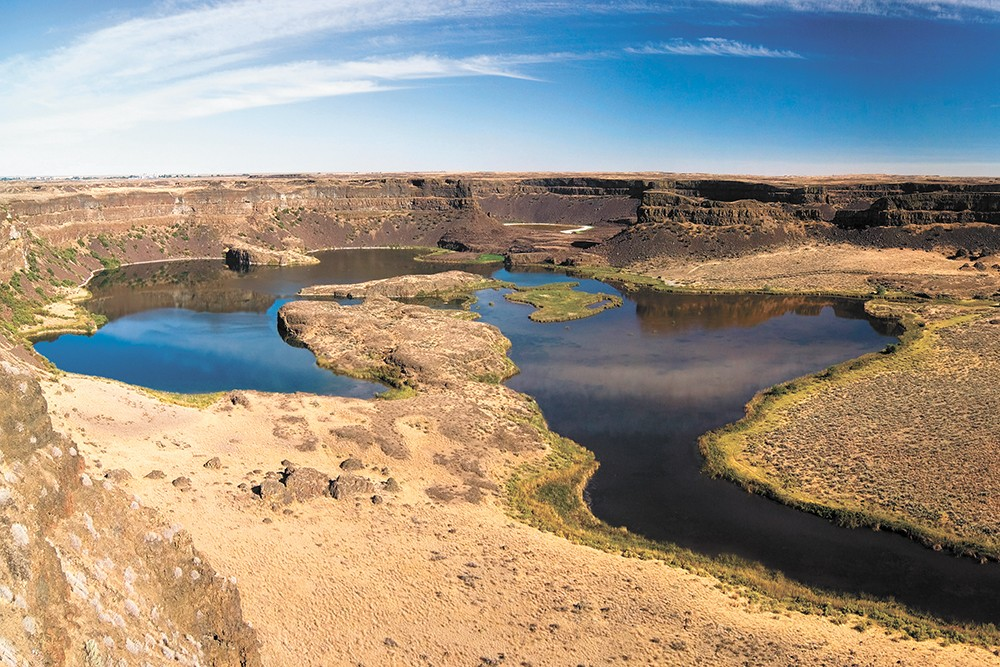 Dry Falls features plenty of hiking and sightseeing opportunities. - IKIWANER/CREATIVE COMMONS PHOTO