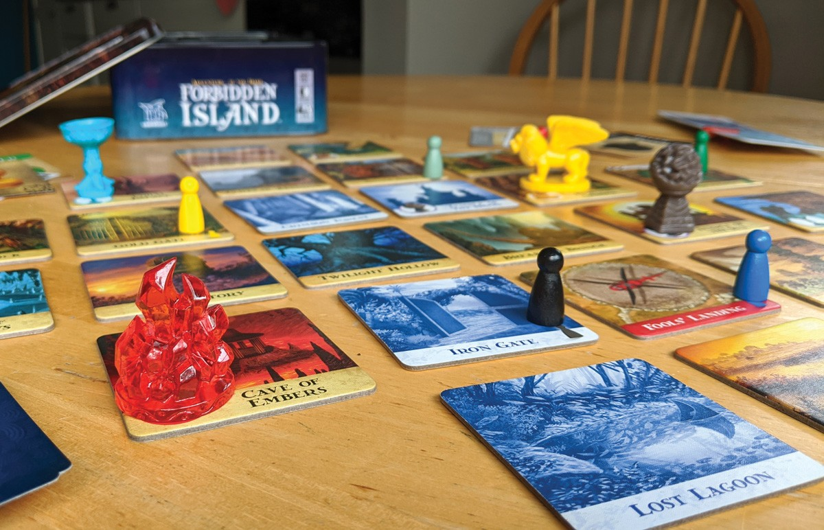 Work as a team to gather treasures and escape the Forbidden Island.