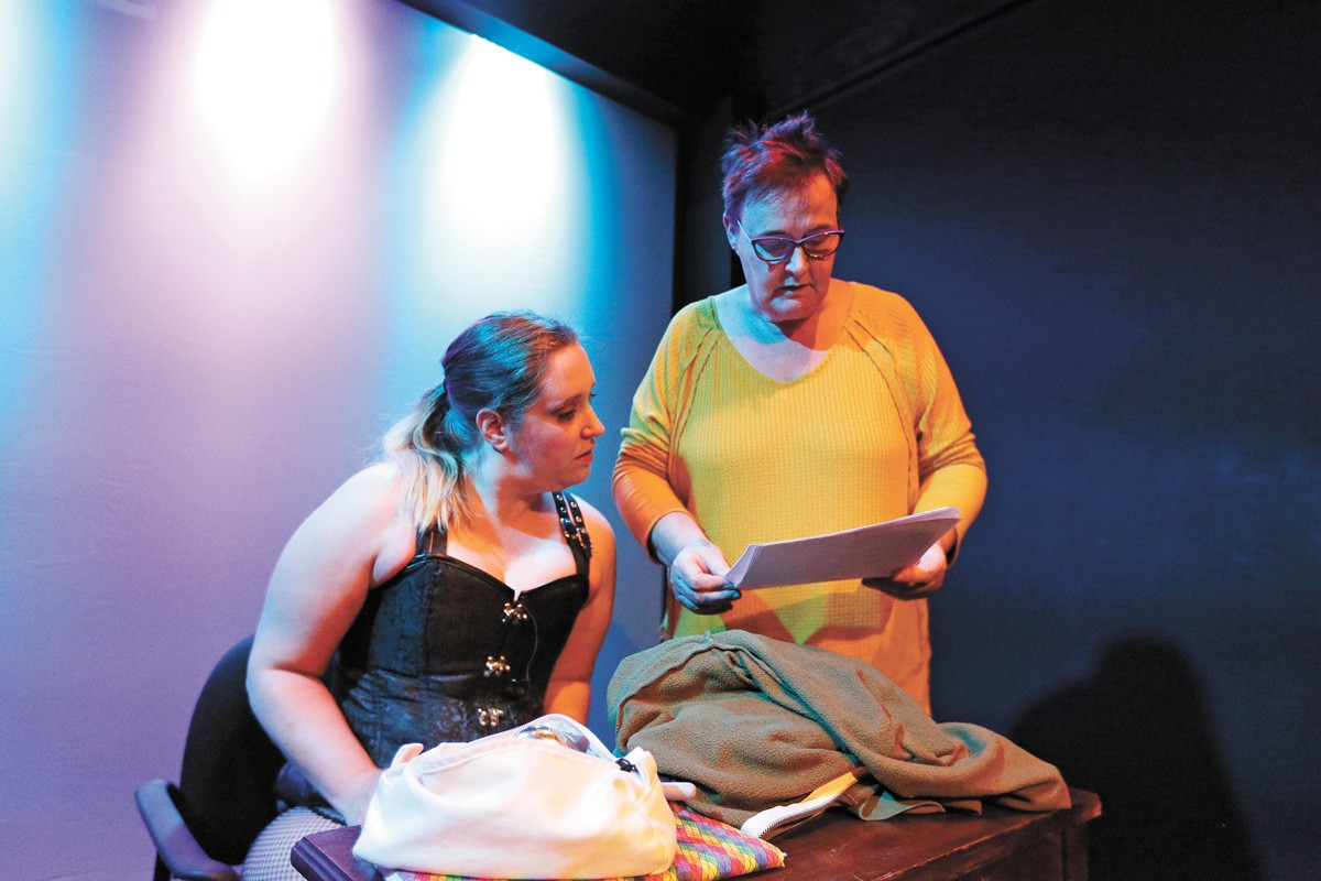 Lindsey Teter (left) works with director Dawn Taylor Reinhardt on Stays, one part of Stage Left's Empower production. - YOUNG KWAK