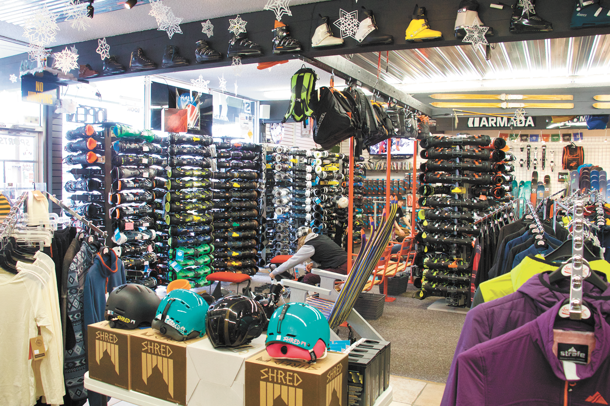 "Regular customers fondly call themselves ""Creelers."" - BOB LEGASA PHOTO"