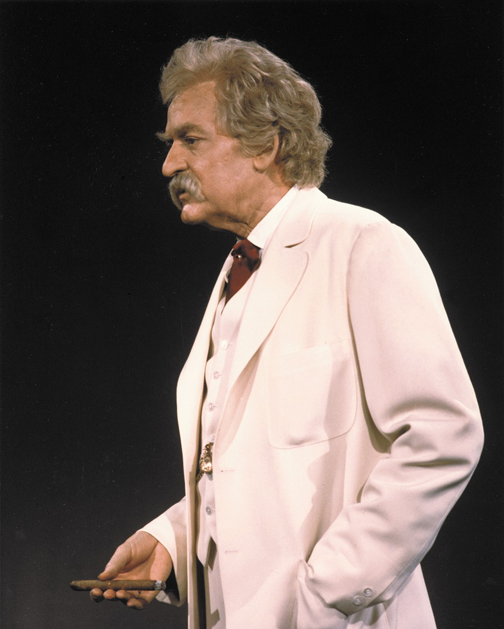 Hal Holbrook sees Mark Twain as relevant as ever in 2015.