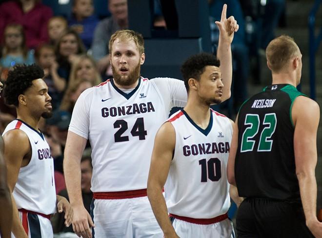 Gonzaga big man Przemek Karnowski continued his late-season run of huge performances.