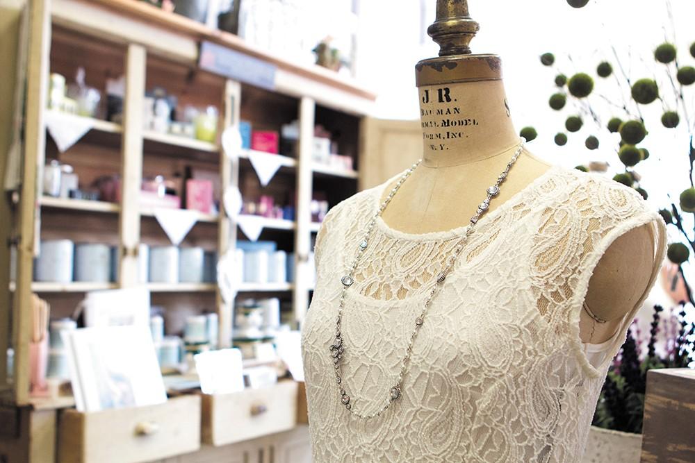 Feminine style at White Lavender - EMMA ROGERS