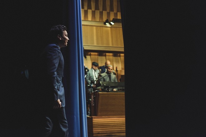 """immy Fallon before a taping of his """"Tonight Show"""" on NBC, in New York, May 11, 2017. The latest ratings show that viewers are tuning out NBC's fun-and-games approach and flocking to the politically engaged Stephen Colbert and Jimmy Kimmel. - BRYAN DERBALLA/THE NEW YORK TIMES"""