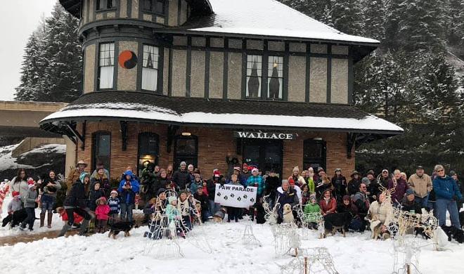 Wallace Paw Parade at Historic Depot