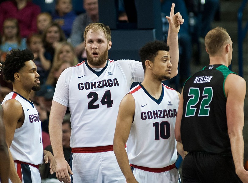 Gonzaga big man Przemek Karnowski continued his late-season run of huge performances.