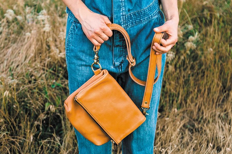 A Hustle & Hide handbag - YOUNG KWAK