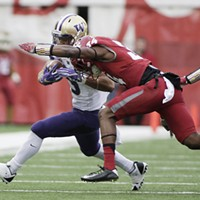 Apple Cup 2016 Washington State defensive back Jalen Thompson, right, brings down Washington running back Myles Gaskin (9) during the first half. Young Kwak