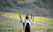 Skydiving, hang gliding and paragliding