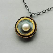 788b3773_necklace_pearl_dark_web-340x340.jpg