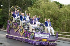 5-21-16-parade-pic-past-presidents-on-float_orig.jpg