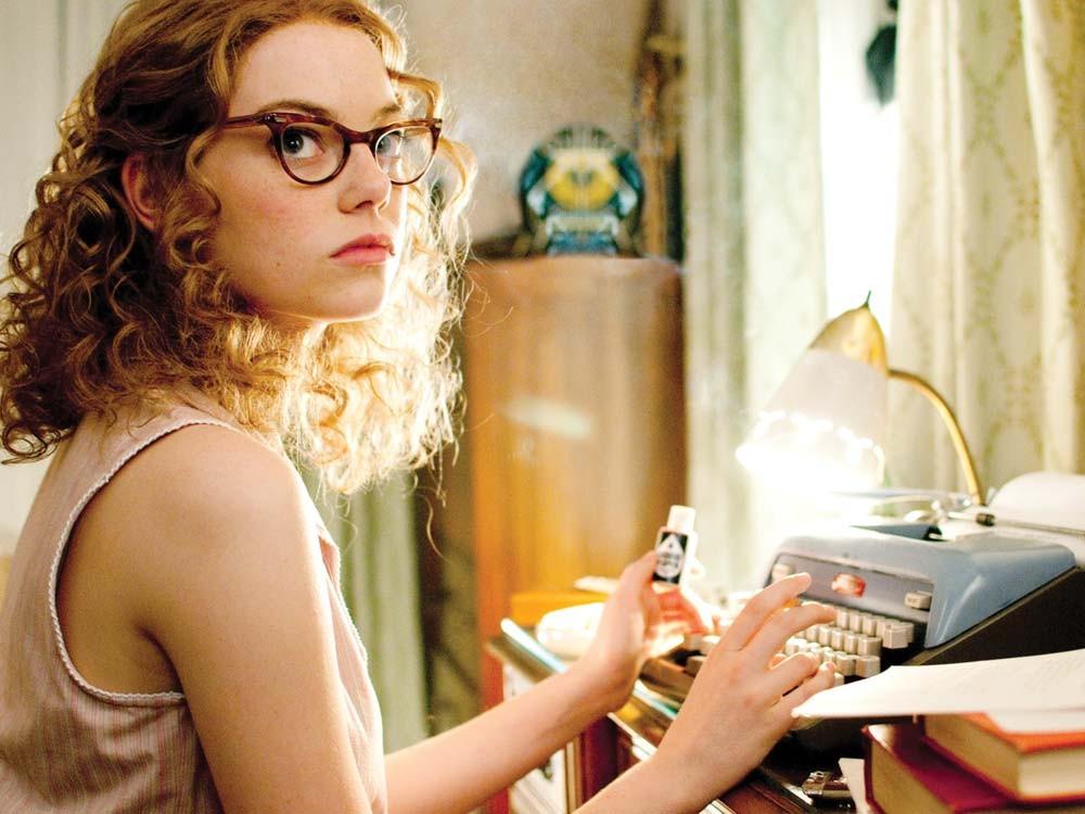 Wannabe journalist Skeeter Phelan, played by Emma Stone